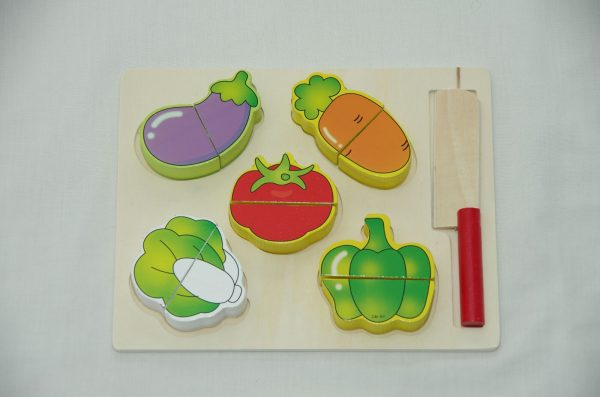 white tray vegetable cutouts 600x397 - White tray vegetable cut outs