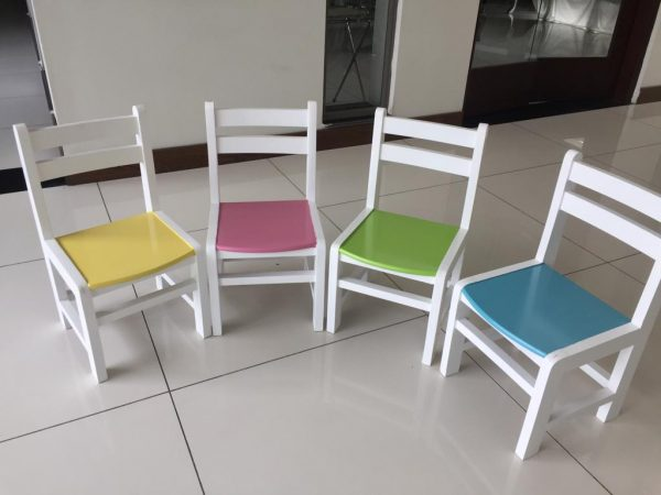 WhatsApp Image 2018 10 29 at 9.03.39 PM 3 600x450 - wooden kinder chair