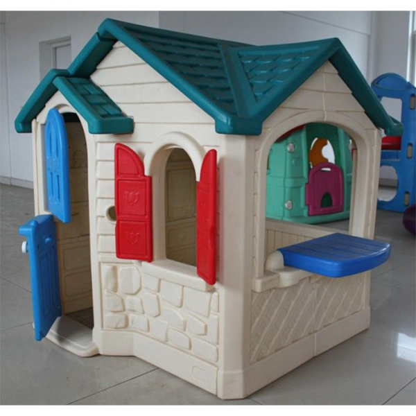11 600x600 - Lovely Spacious Play House