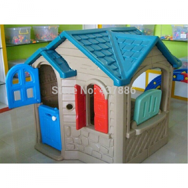 123 600x600 - Lovely Spacious Play House
