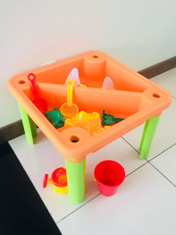 WhatsApp Image 2019 04 02 at 3.37.45 PM 600x800 - Sand & water table