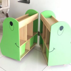 8e757eaa 72f4 479a 8d9d e3b9d0325578 300x300 - Frog Book shelf (set of 2)